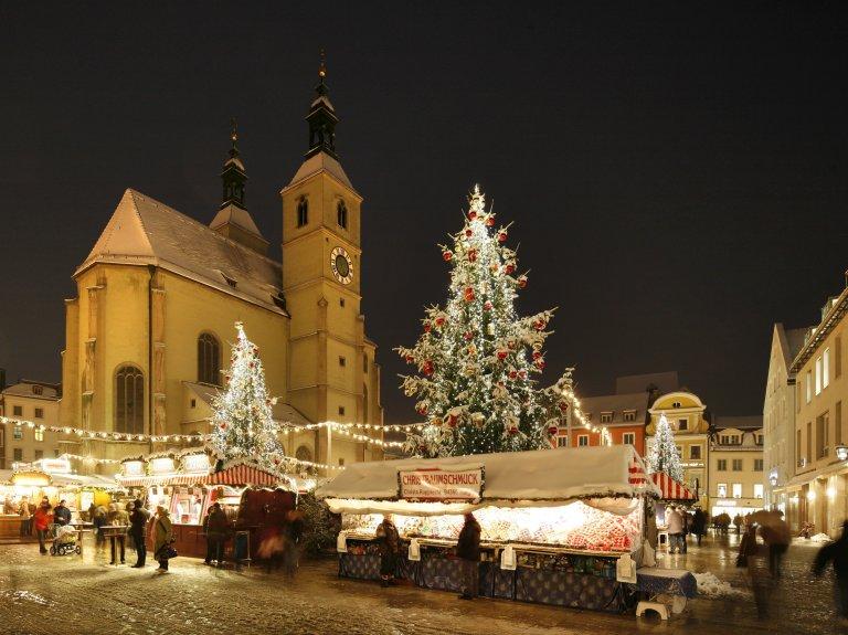 Grossansicht in neuem Fenster: Regensburger Christkindlmarkt