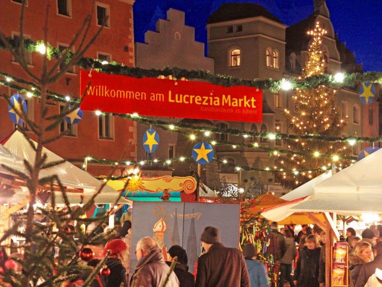 Grossansicht in neuem Fenster: Lucrezia Markt - Kunsthandwerk im Advent