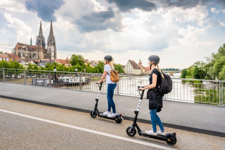 Bird-Scooter - Fahrt über Eiserne Brücke