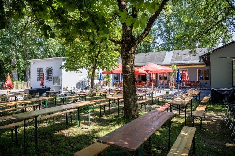 Gaststätte im Sportpark Schwabelweis - Biergarten